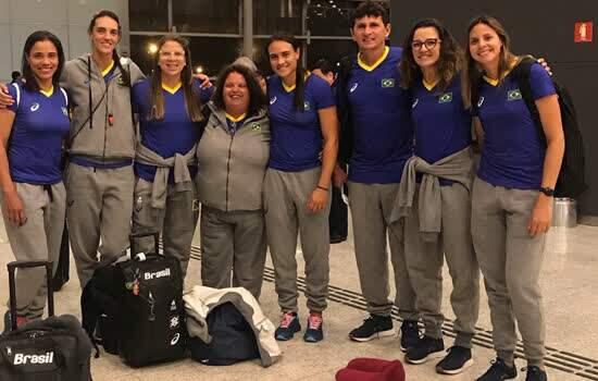 Delegação brasileira que representará o país no vôlei de praia quarteto