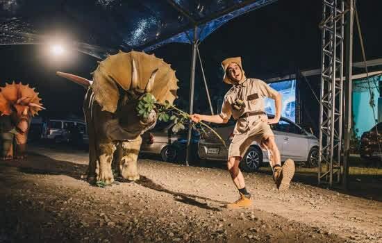 Jurassic Safari Experience.