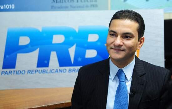 O presidente do PRB, bispo Marcos Pereira, diz que permanecerá ministro do Desenvolvimento, Indústria e Comércio