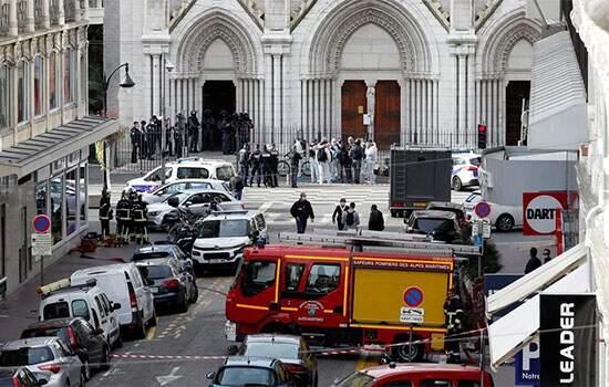 Atentado deixa 3 mortos em Nice