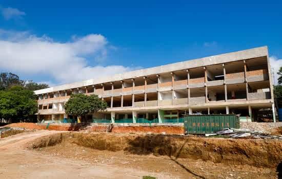 Obras do complexo escolar