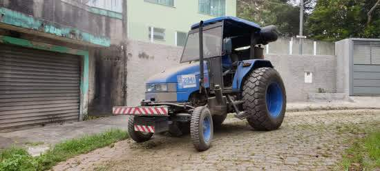 Máquinas Papa-Mato reforçam a limpeza de vias em Ribeirão Pires
