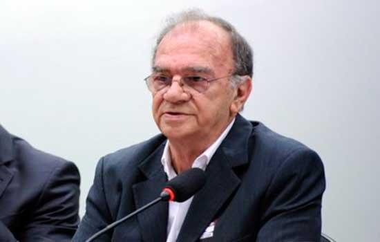 Gilberto Orivaldo Chierice ficou conhecido por ter desenvolvido a droga buscada por seus supostos efeitos contra o câncer