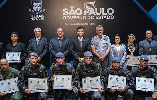 O governador do Estado de São Paulo, Rodrigo Garcia, participa do evento Polícia Nota 10