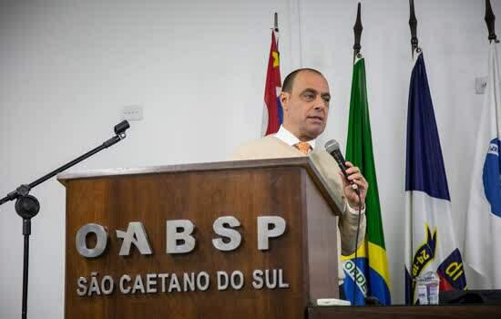 O prefeito José Auricchio Júnior esteve terça-feira (16) na subseção de São Caetano da Ordem dos Advogados do Brasil, no Bairro São José, para fazer uma prestação de contas da Prefeitura - Continue lendo
