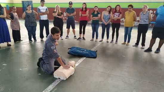 Professores de Educação Física de Ribeirão Pires participam de treinamento em primeiros socorros