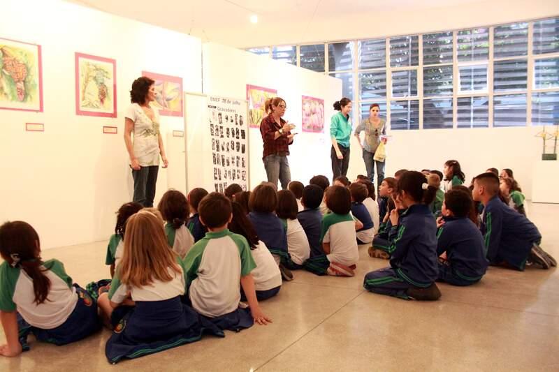 Alunos da EMEF 28 de Julho, realizam trabalhos no Ateliê Pedagógico como parte do projeto Agir e Interagir – Arte e Criação