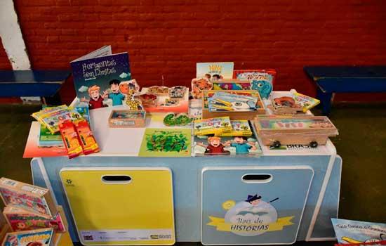 Projeto distribui pequenas bibliotecas na Grande São Paulo