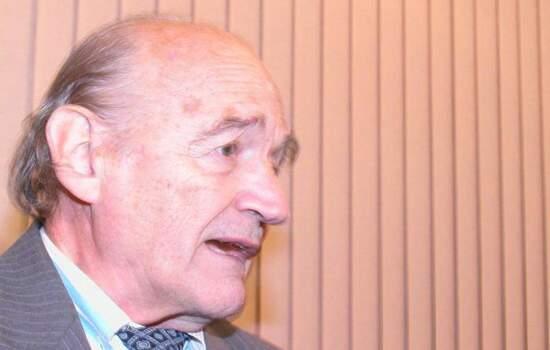 O padre jesuíta espanhol Oscar Gonzalez Quevedo Bruzan, conhecido como Padre Quevedo, morreu na madrugada desta quarta-feira (9), aos 88 anos