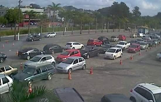 Registro do Drive Thru através câmera de monitoramento nesta sexta-feira (18) às 15:20