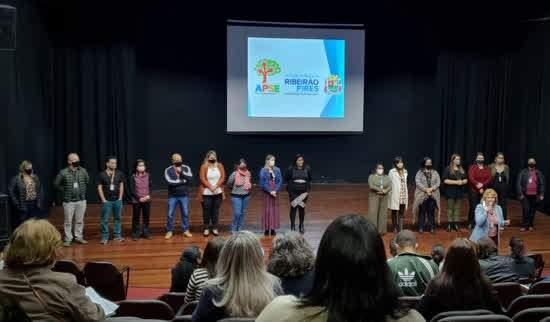 Coordenadores pedagógicos de Ribeirão Pires recebem diretrizes da volta às aulas presenciais