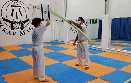 Krav Maga é defesa pessoal, ou seja, os treinos tiveram que ser adaptados, respeitando, tanto o distanciamento social, quanto a dinâmica dos treinos e os fundamentos do Krav Maga em si.