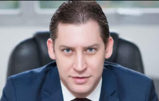 Dr Rodrigo Karpat