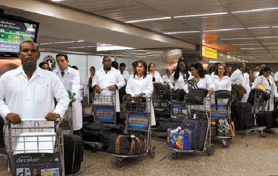 """Bosonaro fala sobre médicos cubanos:""""quando eu cheguei, eles foram embora porque eu ia pegá-los"""","""