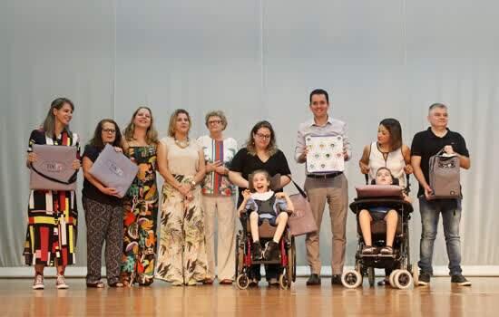 Santo André adota programa educacional que usa tecnologia para inclusão de crianças com deficiência