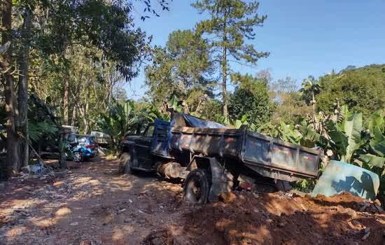 Crime ambiental ocorreu no Recreio da Borda do Campo e o responsável também teve o veículo apreendido