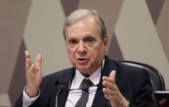 Tasso quer que Abin exl=plique declarações de Bolsonaro sobre 'guerra química'
