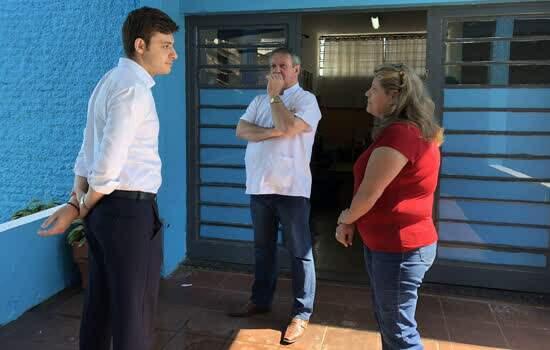 Deputado estadual Thiago Auricchio visitou algumas escolas estaduais do Grande ABC.