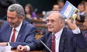 Parlamentar estava internado no Rio desde 4 de outubro; aliado de Bolsonaro, cumpria primeiro mandato. Ele defendia o uso da hidroxicloroquina para o tratamento da covid-19 - Continue lendo