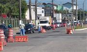 Barreiras instaladas para dificultar entrada de turistas devido ao coronavírus causaram congestionamentos em rodovias de acesso ao litoral de SP, hoje, primeiro dia do feriadão antecipado  - Continue lendo