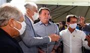 O hospital de campanha inaugurado nesta sexta-feira, 5, pelo presidente Jair Bolsonaro em Águas Lindas de Goiás foi entregue com um mês de atraso.  - Continue lendo