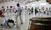 Ação esportiva promove intercâmbio cultural, valorizando tradições brasileiras e a prática da capoeira no município - Continue lendo
