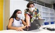 """Iniciativa """"Janelas para o Amanhã"""" prevê formação em tecnologia da informação para alunos e professores, além da doação de mais de 2,6 mil computadores no estado - Continue lendo"""