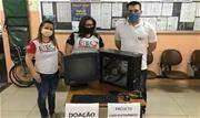Campanhas solidárias atendem às demandas de estudantes para acompanhar aulas à distância; voluntários participam consertando aparelhos - Continue lendo