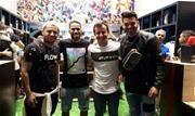 Atacante Everaldo e volante Thiago Santos marcaram presença na abertura da primeira franquia da loja de fashion soccer na região  - Continue lendo