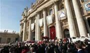 Além da brasileira, quatro religiosos foram oficializados santos neste domingo na Praça São Pedro, no Vaticano - Continue lendo
