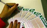 As dezenas sorteadas foram: 02 - 03 - 32 - 35 - 48 - 57 - As apostas para o concurso 2.422 podem ser feitas nas casas lotéricas credenciadas pela Caixa, em todo país ou pela internet - Continue lendo