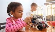 Tradicionalmente associadas a profissões das ciências humanas e biológicas, meninas precisam ser incentivadas desde cedo a ter interesse por física, química e matemática,dizem especialista - Continue lendo