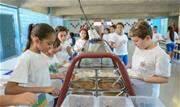 Destinado aos 82 mil alunos da rede municipal, programa pioneiro oferece R$ 85 para compra exclusiva de alimentos - Continue lendo