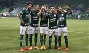 Verdão não toma conhecimento do maior rival, aplica goleada e ainda sonha com o título brasileiro - Continue lendo