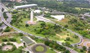 Setenta parques municipais, entre eles o Ibirapuera, na zona sul de São Paulo, estão reabertos ao público a partir desta segunda-feira, 13.  - Continue lendo