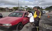 Trabalhadores e também residentes compareceram em grande número no Complexo Ayrton Senna   - Continue lendo