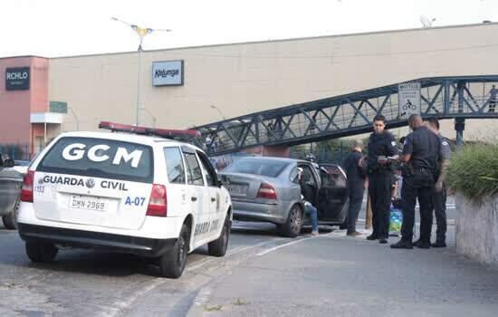 Mauá faz operação contra transporte clandestino