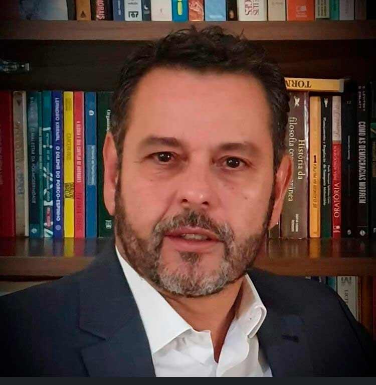 Dr. Vladimir de Souza Alves