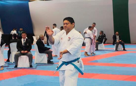 Felipe Tamashiro, ouro no kata, e está classificado para as finais do Campeonato Brasileiro de Karatê